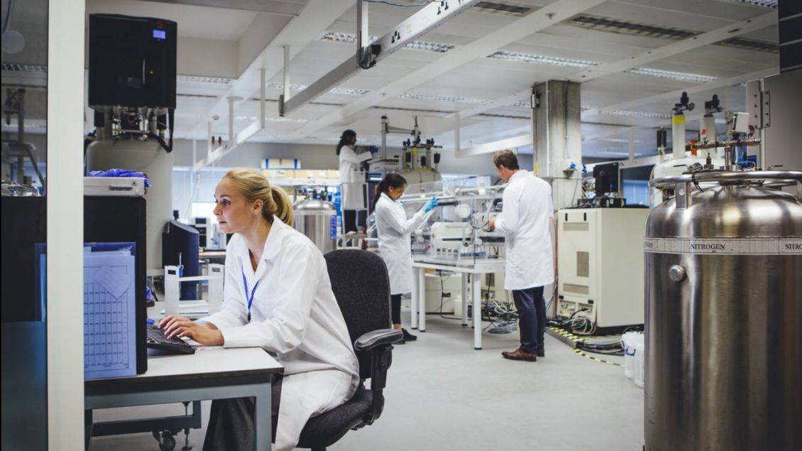 Life Sciences Industry > Collaboration in the Lab > Dassault Systèmes®